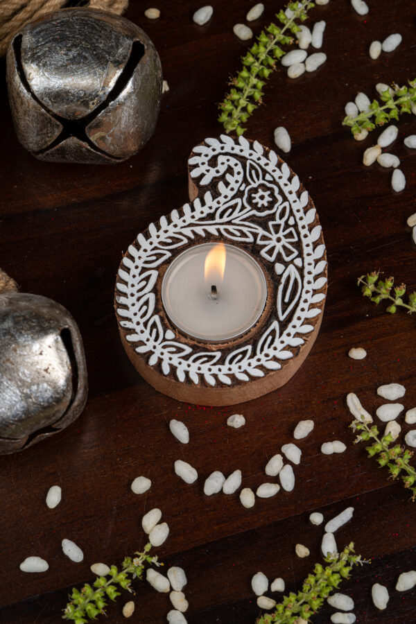 Handcrafted Sheesham Wood Block Lea Lights Holder - Pallava